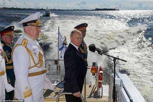 Des bases navales russes à Cuba et au Vietnam !