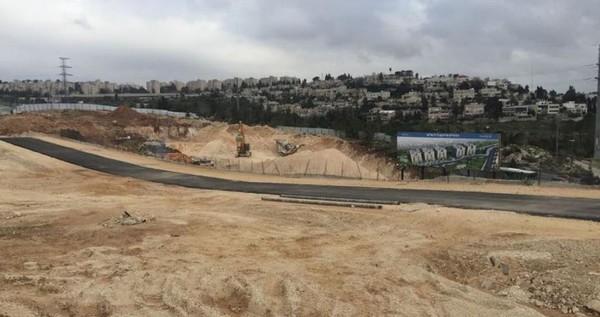Construction d'une rue coloniale au nord de la Cisjordanie
