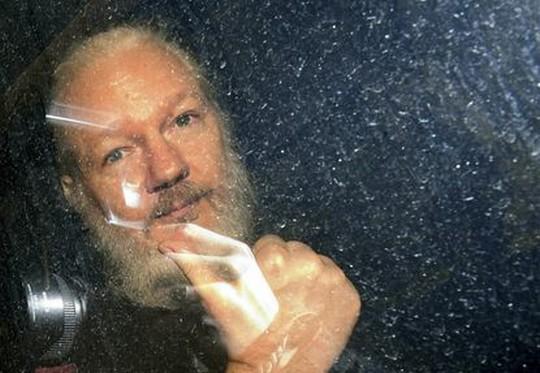 Le procès stalinien de Julian Assange