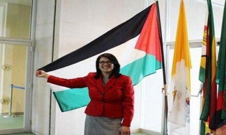 Rashida Tlaib: Israël est un pays raciste et prive les Palestiniens du vaccin Coronavirus