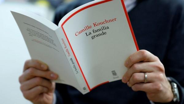 La façade de la gauche française soixante-huitarde se lézarde : 'La Familia Grande' ou la chute de la gauche-caviar libertaire