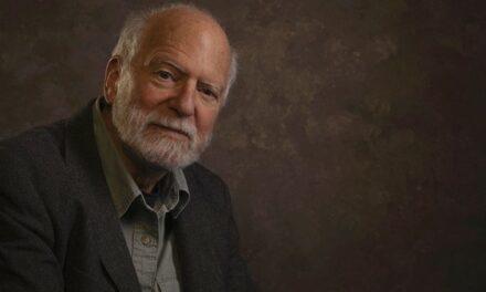 Robert Shetterly : « Le capitalisme et l'impérialisme détruisent la planète »