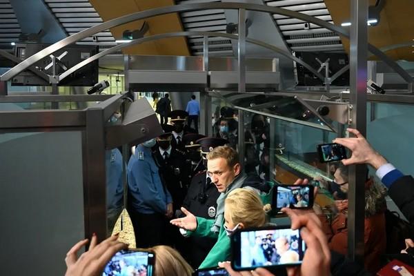 Russie : Navalny interpellé à Moscou, la bonne conscience internationale s'emballe