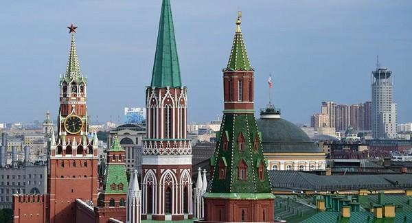 Biden veut «faire payer la Russie», le Kremlin lui répond