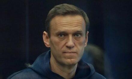 La peine d'Alexeï Navalny substituée par de la prison ferme