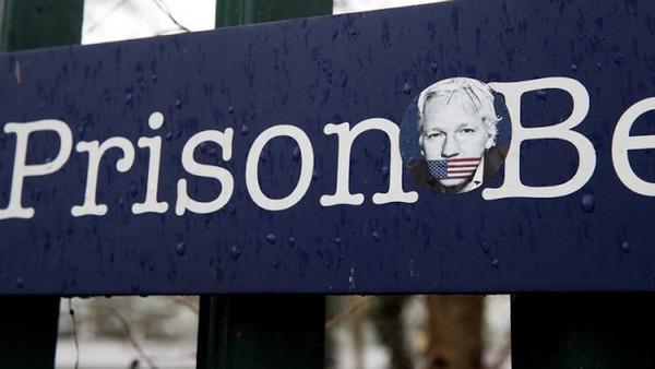Assange : l'administration Biden annonce continuer les poursuites, des organisations protestent