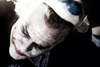 Les masques tombent