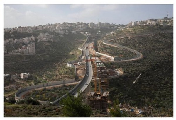 Infrastructures de dépossession et de contrôle – Développement des transports à Jérusalem-Est
