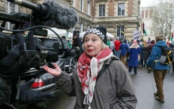 """""""La France est le seul pays à criminaliser les appels au boycott d'Israël"""", Olivia Zémor, convoquée au tribunal"""