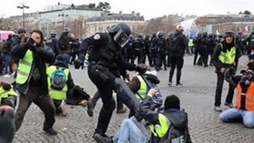 Hiraks, Gilets Jaunes : répressions, partis-pris médiatiques
