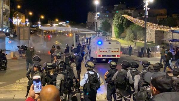 100 blessés palestiniens à Jérusalem par des soldats et colons en deux jours