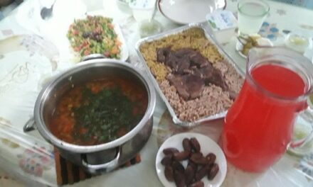 Un repas de Ramadan en famille à Gaza