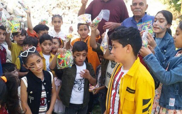 Les jeunes francophones distribuent des jouets et des cadeaux aux enfants de Gaza
