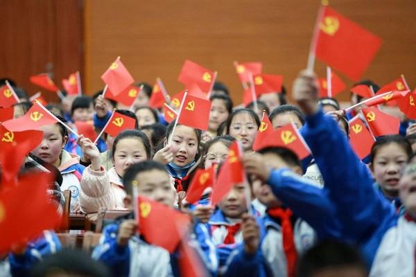 Les premiers pas du Parti Communiste Chinois et la tragédie de 1927