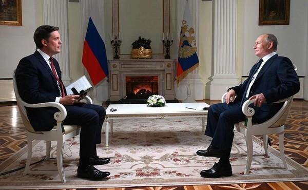 La leçon magistrale de Poutine à un journaliste US (interview NBC complète)
