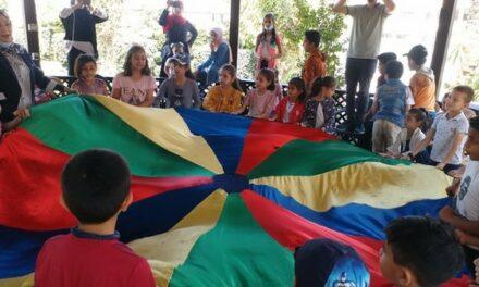 Une séance d'animation et de soutien psychologique pour les enfants de Deir-El-Balah