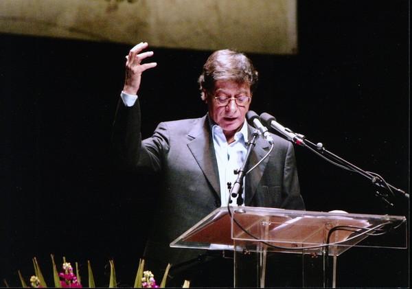 Mahmoud Darwich – 9 août 2008 – 9 août 2021, 13 ans déjà – Les poètes humanistes ne meurent pas !