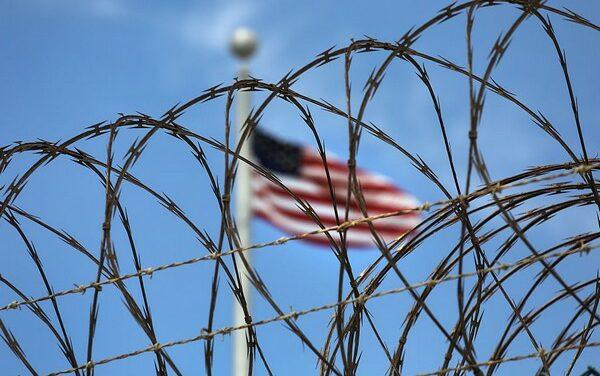 Sous Biden, les détentions illégales à Guantánamo continuent