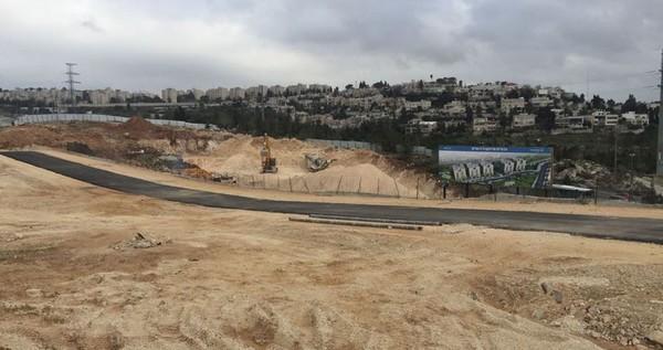 L'occupation rase de vastes terres à Al-Khader